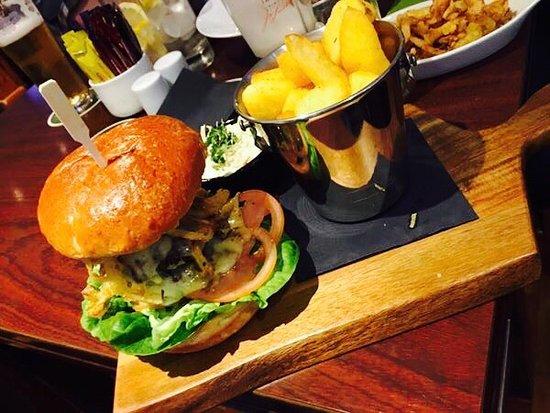 Edenderry, Irlanda: Amazing burger 😃