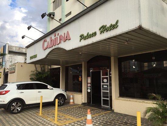 Cabiuna Palace Hotel