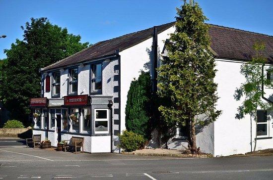 Foulridge, UK: Sitting i the heart of the village