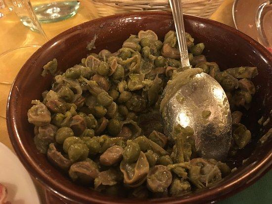 Acquaviva Picena, Italië: fave, carciofi e piselli