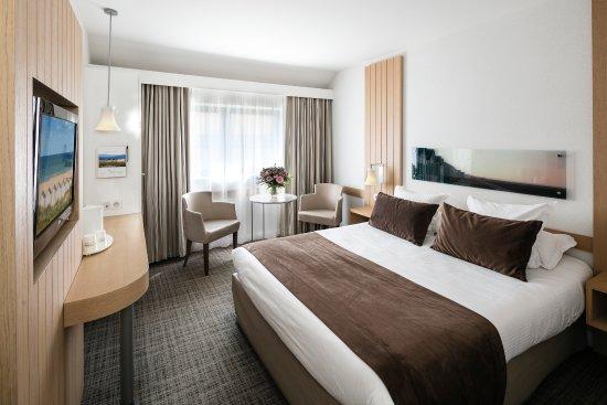 Riva Bella Hotel : CHAMBRE DOUBLE COTE VILLE