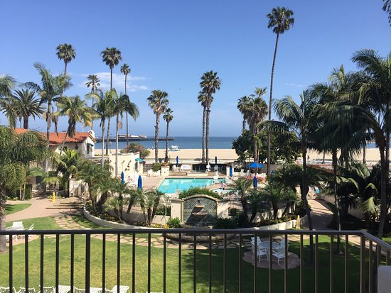 Harbor View Inn: Beautiful Beach Hotel, Great rooms & Great Location. Would happily recommend this Hotel to anyon