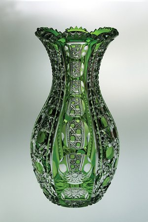 White Mills, PA: Vase cut by the Dorflinger Glass Factory