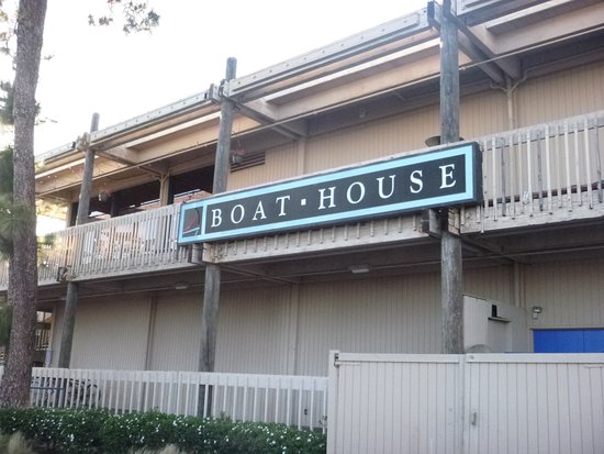 front of the building picture of boathouse restaurant