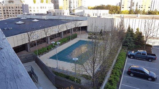 Toronto Don Valley Hotel & Suites Photo