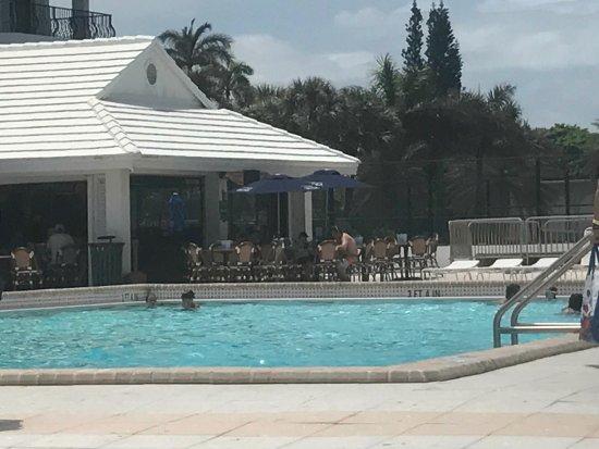New Point Miami Beach Apartments: photo2.jpg