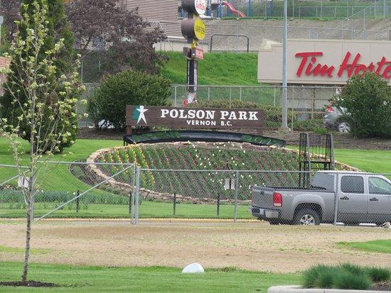 Vernon, Kanada: The classic flower sign
