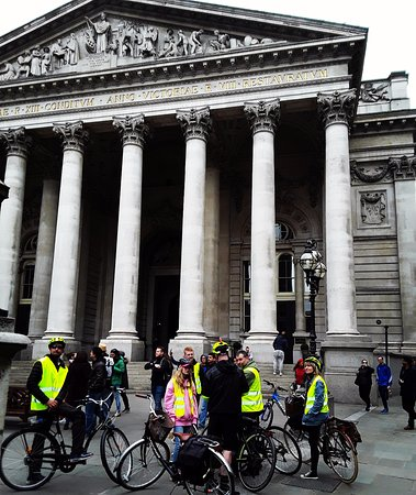 Cycle Londons Landmarks: The Royal Exchange on The City Tour 👌