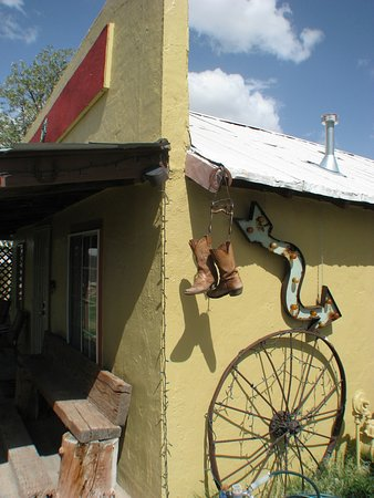 Rodeo, Nuevo Mexico: Otside The Cowboy Room