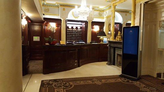 Buswells Hotel: 20170202_003221_large.jpg