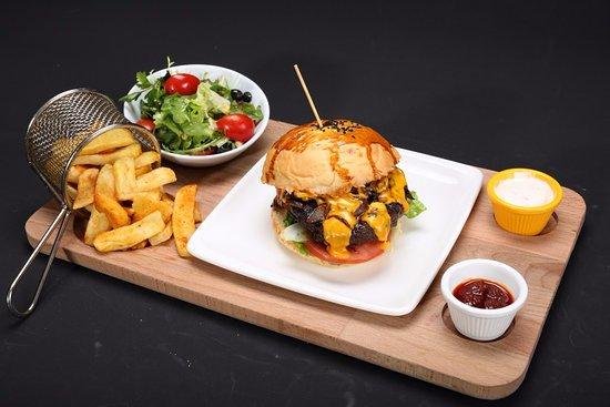 Turuncu Cafe Pub : Cheez Burger