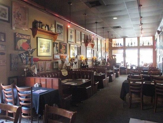 Santa Paula, CA: MuPu Dining Room