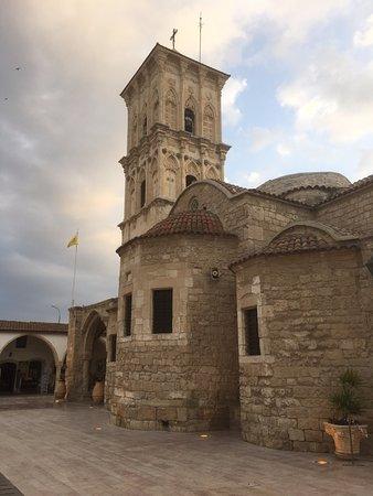 Larnaca, Cyprus: widok kościoła z boku