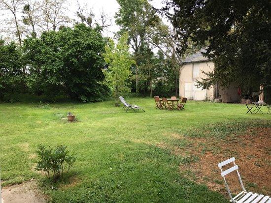 Vouneuil-sur-Vienne, France: Très joli parc et très reposant.