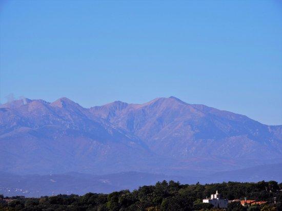 Elne, Francia: Vue panoramique de notre terrasse
