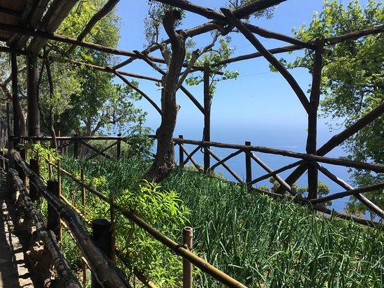 Montepertuso Photo