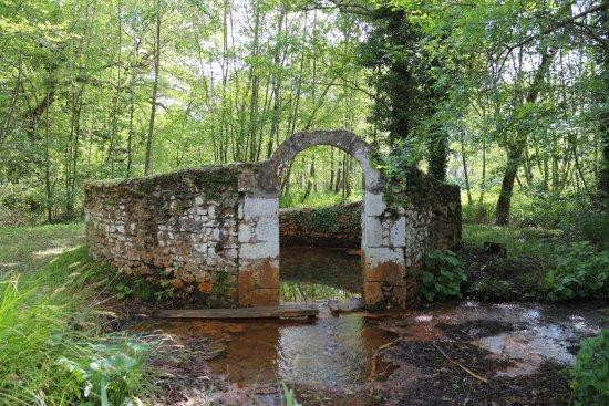 Fontaine de Bernos