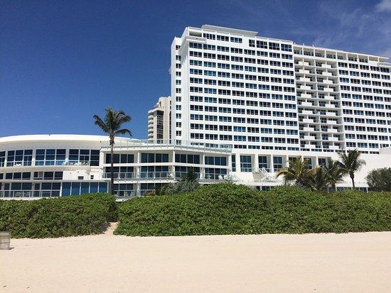 New Point Miami Beach Apartments: photo0.jpg