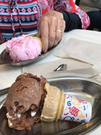 Ghirardelli Ice Cream & Chocolate Shop : photo0.jpg
