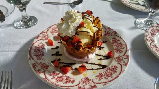 Almond Basket, Steven W's Downtown Bistro, Newberry, SC, May 2017