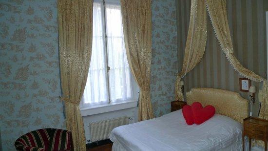 Hotel Le Manoir: Første værelse til venstre inden for døren