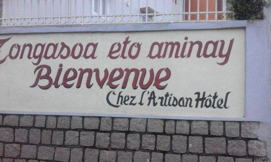 Ambositra, Madagascar: يافطة