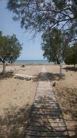 Strand vanaf Janno Beach gezien