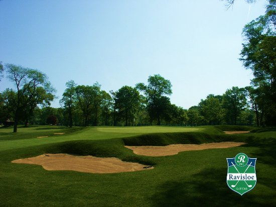 Homewood, IL: Hole 5 - a trademark of Donald Ross designed course, deep bunkers.