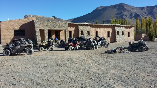 El Penon, Argentina: Vista del hotel desde la ruta