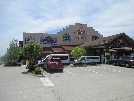 Branson, MO: Clay Cooper Theatre is modern and comfortable to see the show in.