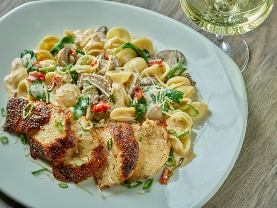 Blackened chicken pasta picture of mitchell 39 s fish for Mitchell s fish market locations