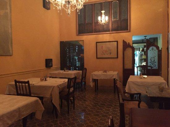 Una de las salas comedor - Picture of La Guarida, Havana - TripAdvisor