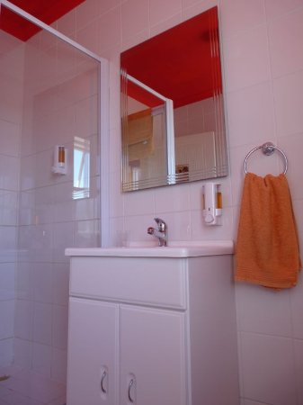 Table View, South Africa: bathroom with shower