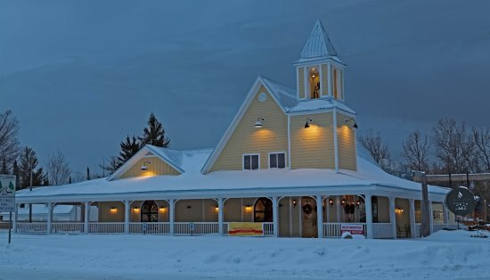 Kewadin, MI: Winter at the TLC looks inviting!