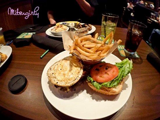 Duffy's Sports Grill: Food