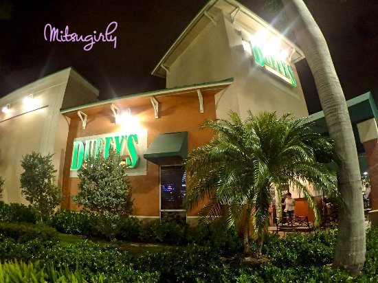 Duffy's Sports Grill: outside