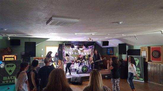 Southwick, MA: Live Band