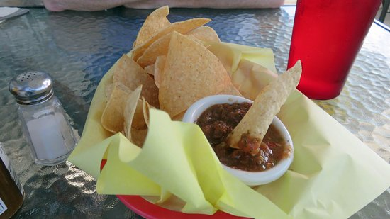 Shell Beach, Californië: Really good salsa and chips