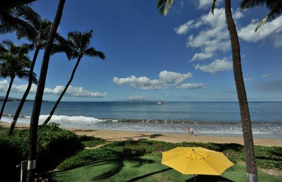 Kihei Kai Oceanfront Condos: The beach in front of Kihei Kai