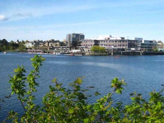 Victoria Capital Regional District, Kanada: View along the trail.