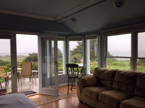 Mendocino Seaside Cottage: Rainy day picture but still shows the view of the ocean from the room