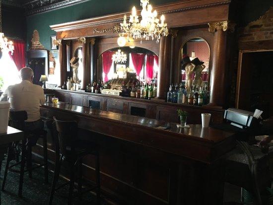 Centralia, IL: Bar