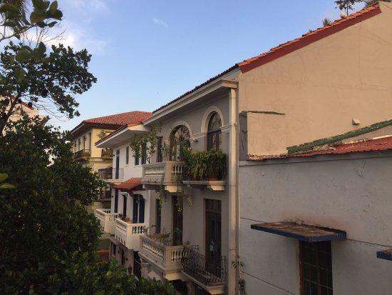 لاس كلمنتيناس: Casco Viejo from the balcony