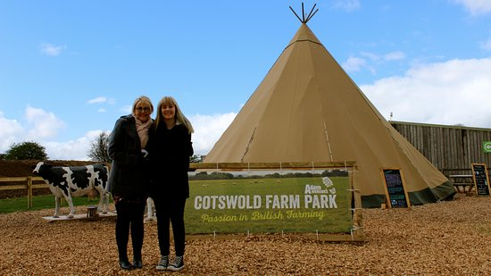 Guiting Power, UK: My wife and Daughter at the entrance to Cotswold Farm Park.