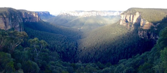 Wentworth Falls, Australia: One of the spectacular mountain views