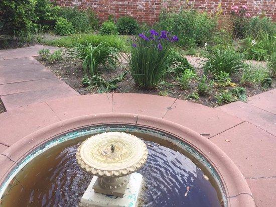 New Bern, NC: garden palace
