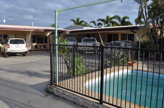 Bowen, Australia: Back rooms off street