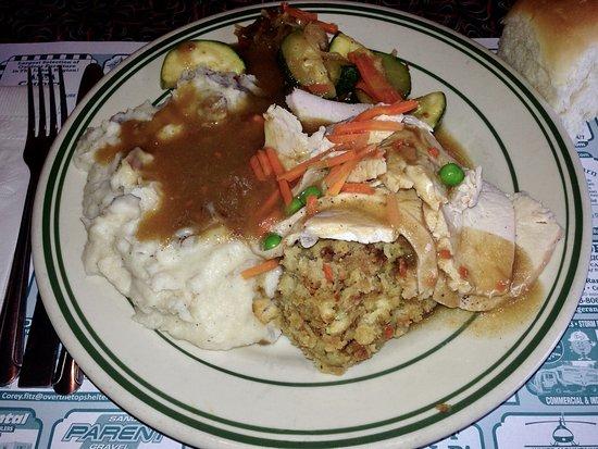 Tilton, NH: Tilt'n Diner - Roast Turkey Dinner