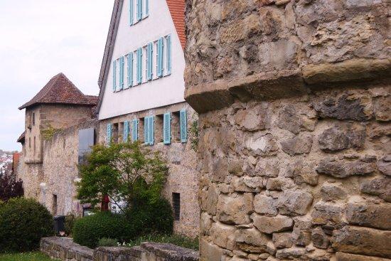 Marbach am Neckar, Germany: Die südliche Mauer mit dem Diebsturm