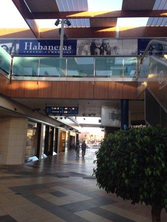 คอสตา บลองก้า, สเปน: Habaneras Centro Comercial